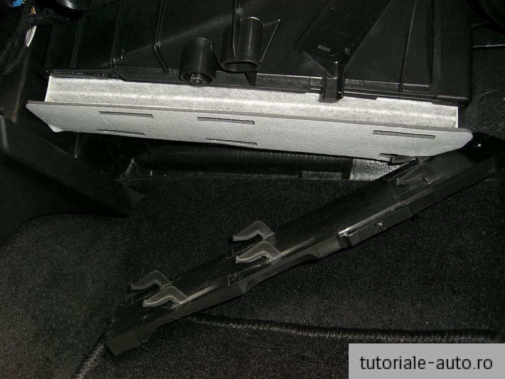 Inlocuire filtru de polen SEAT Leon / Toledo / Altea