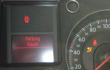 Indepartare mufe airbag scaune fata – legare fire pe direct – VW Passat B6